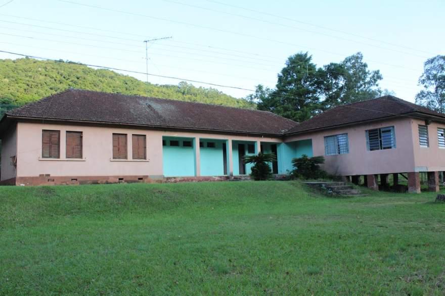 Escola Estadual Estácio Pessoa de Oliveira, fechada há alguns anos: legado de Leonel Brizola
