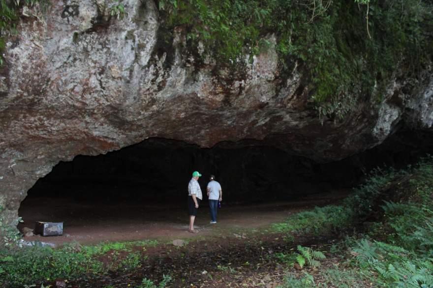 Outro ângulo da entrada da gruta