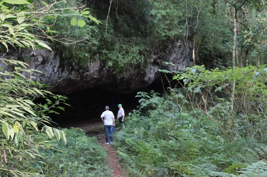 A imagem inicial da gruta ao final da trilha