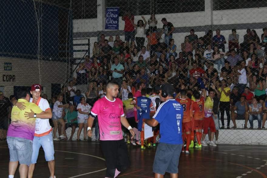 No primeiro jogo em casa no certame, Maxxy venceu o clássico local contra o Atlético