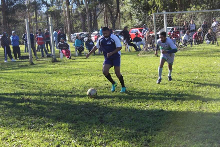 La Bodega e Unidos da Gazin empataram em 1 a 1. Nos penaltis, vitória do La Bodega por 3 a 1 - Crédito: Arquivo - Folha de Candelária