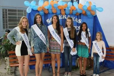 As vencedoras de 2016, que entregaram as faixas para suas sucessoras