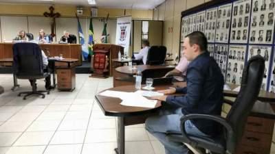 Câmara aprova projeto que obriga  bancos a oferecer sanitários e bebedouros
