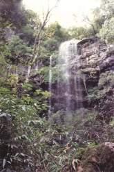 Cascata na localidade possui cerca de 30m de altura