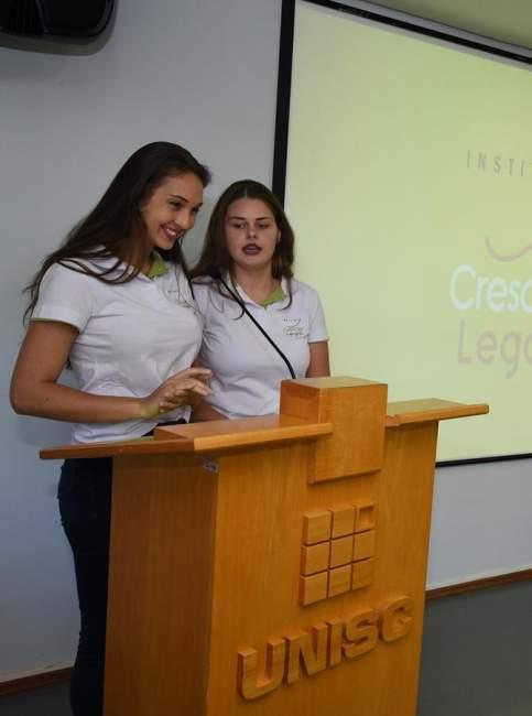 As oradoras da turma, Beatriz e Maira - Fotos: Divulgação - Instituto Crescer Legal