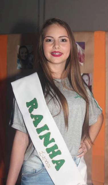 Giovana Vanessa Schwantz foi eleita rainha