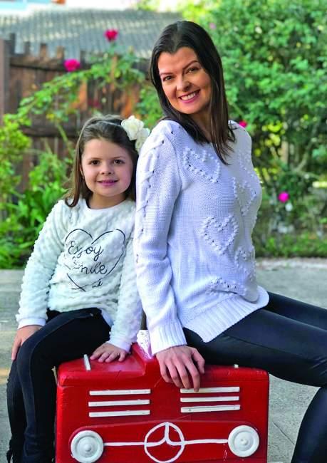 Juliana Braga com a filha Gabriela