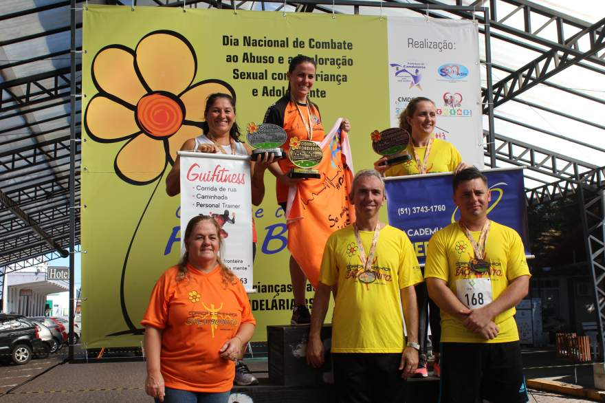 Premiação 35/39 anos feminino 4km