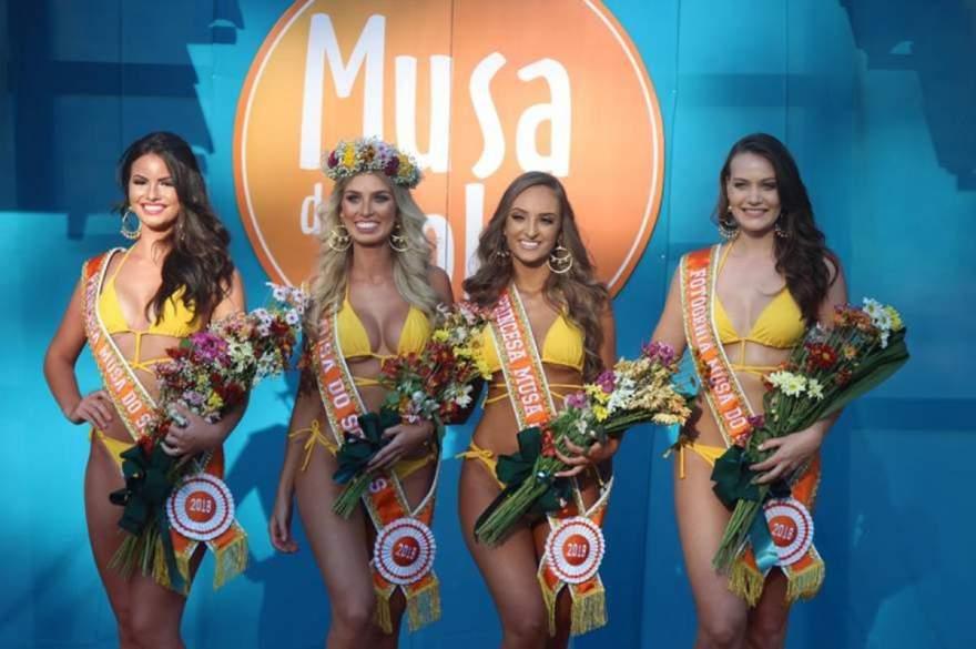As eleitas de 2018: a Musa Marina de Caxias, as Princesas Emanuela, de Santa Cruz, e Luciana, de Erechim, e a Musa Fotogenia, Patrícia, de Alpestre