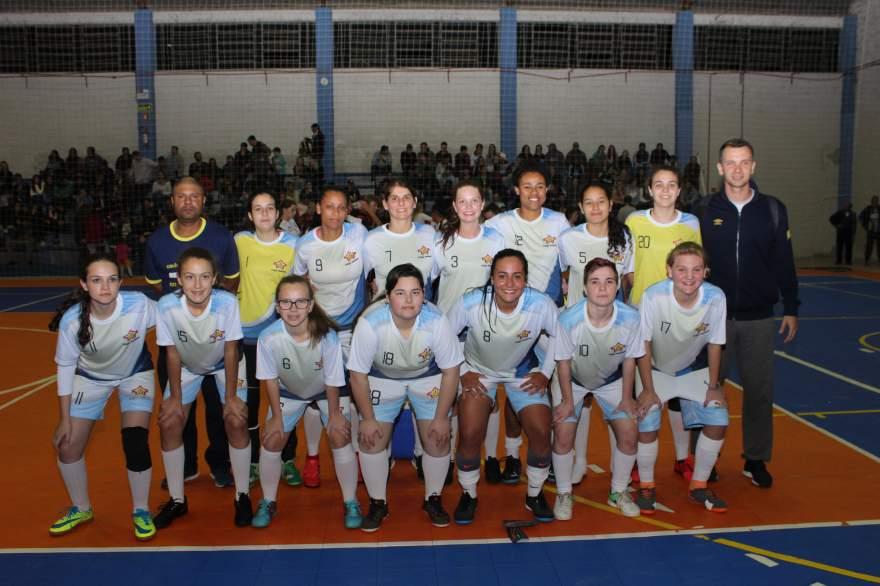 A equipe do Colégio Medianeira