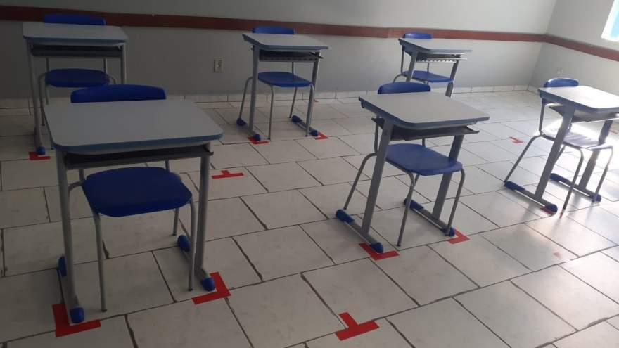 Escolas municipais estão sendo preparadas para respeitar o distanciamento entre as classes