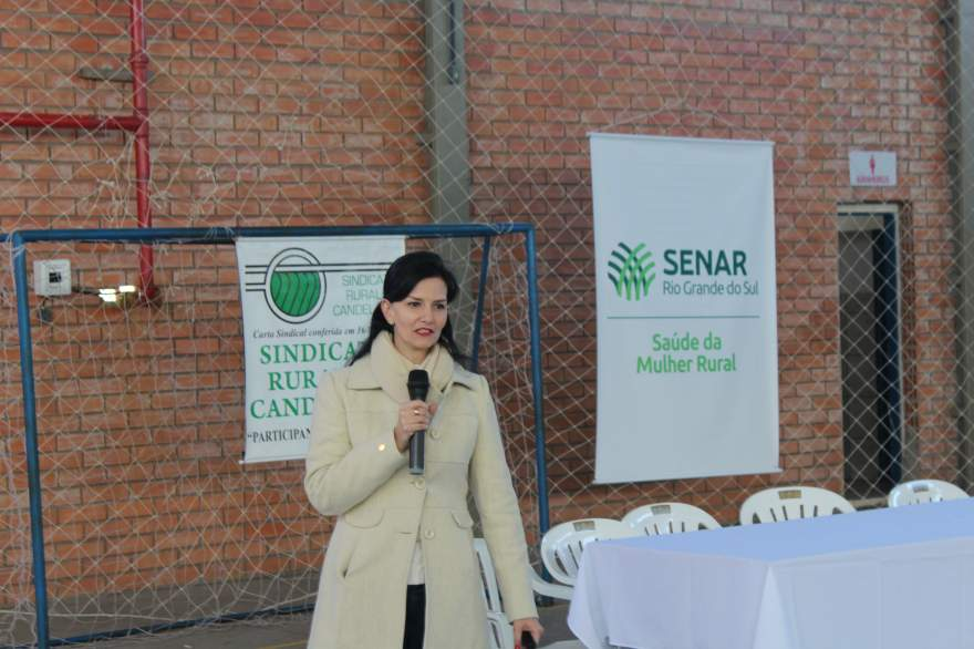 A enfermeira e instrutora do Senar/RS Cássia Veronica de Oliveira ministrou as palestras
