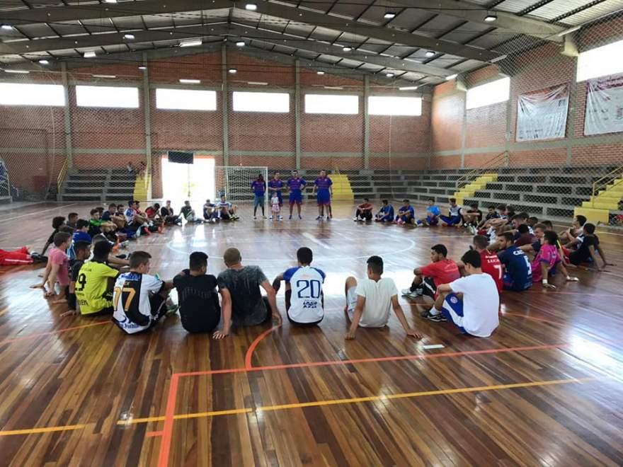 Mais de 60 atletas participaram de peneira do Atlético para as categorias sub 17 e sub 20 de futsal