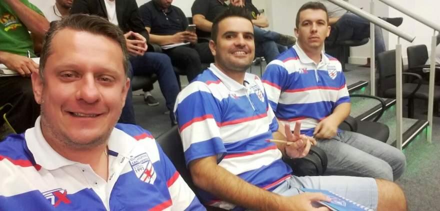 Presidente Rafael Vezentini, técnico Douglas Braga e diretor Diego Gewehr participaram do congresso técnico em Porto Alegre