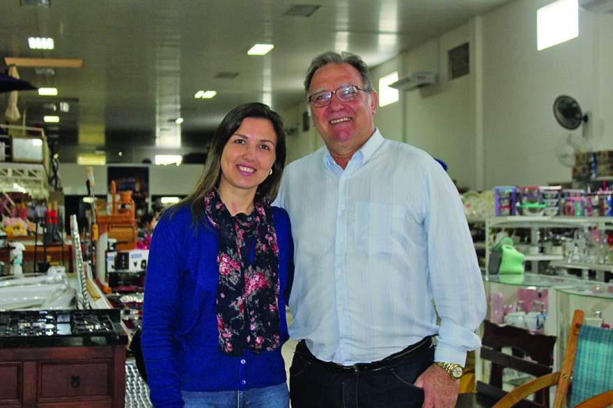 José Luiz e Roberta Cerentini convidam a comunidade para prestigiar o Dia D que será realizado dias 5 e 6 de outubro - Crédito: Odete Jochins - Fol