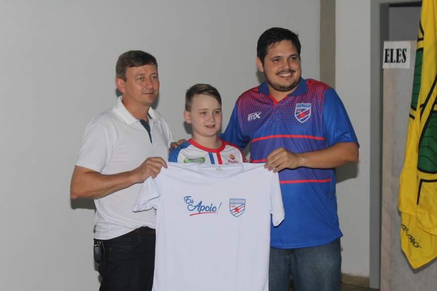 Patrocinadores receberam camisetas especiais em agradecimento ao apoio prestado ao clube em 2019