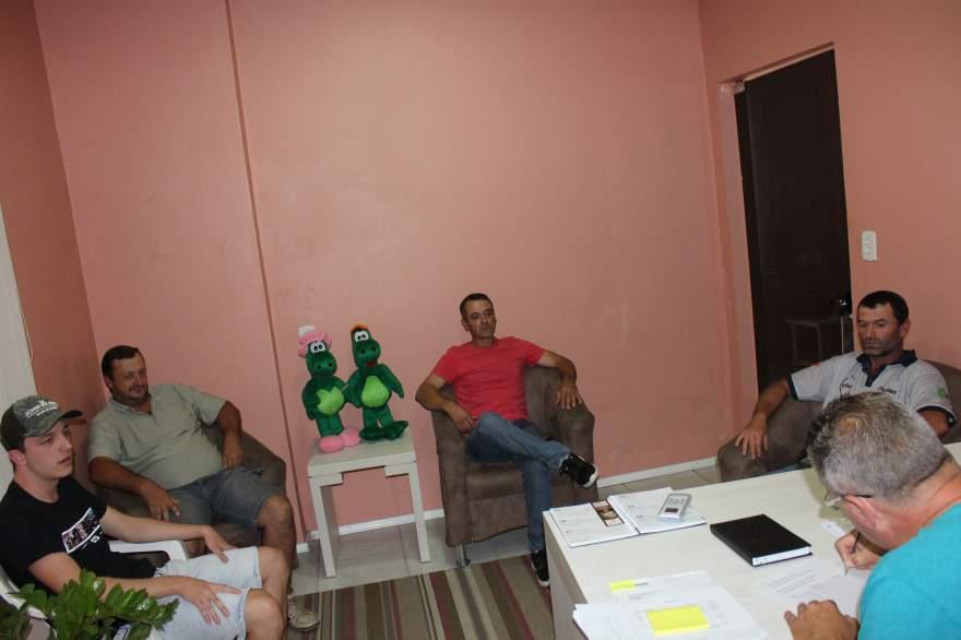 Representantes do Rogério Rutsatz, Carlinhos da Rosa e Gui Gui participaram da reunião da bocha