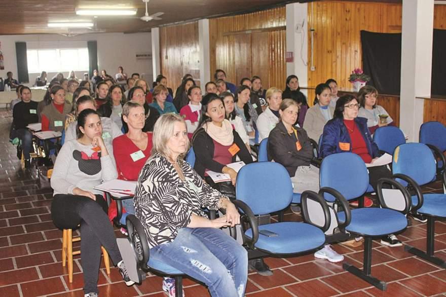 Público de 60 pessoas esteve participando das atividades - Fotos: Tiago Garcia - Folha