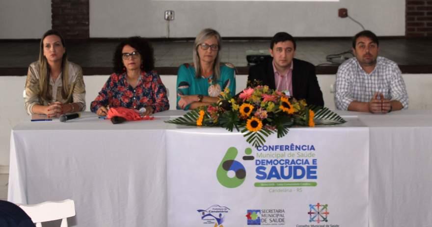 Mesa de honra formada por autoridades - Fotos: Tiago Mairo Garcia - Folha de Candelária