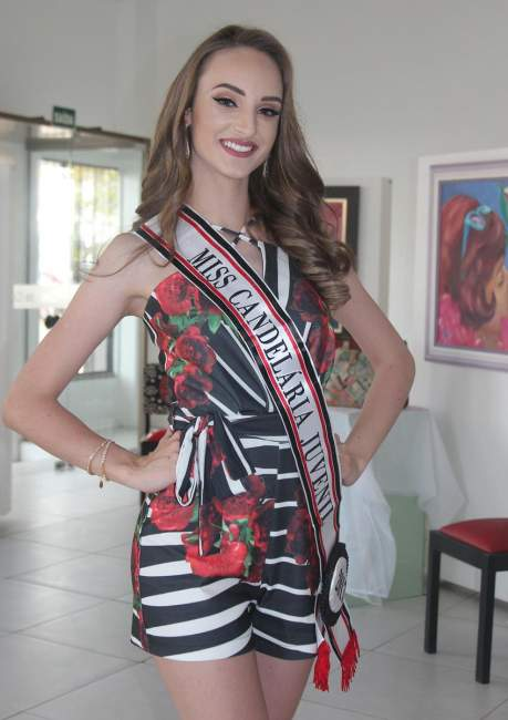 A Miss Juvenil Candelária Emanuela Schuster