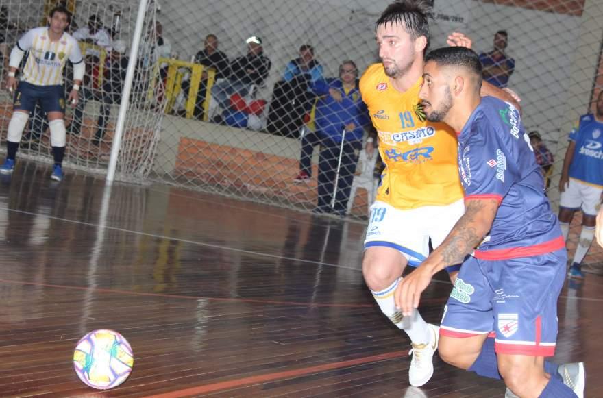 Bugrinho marcou o quinto gol, mas, apesar da pressão final, o gol de empate não veio