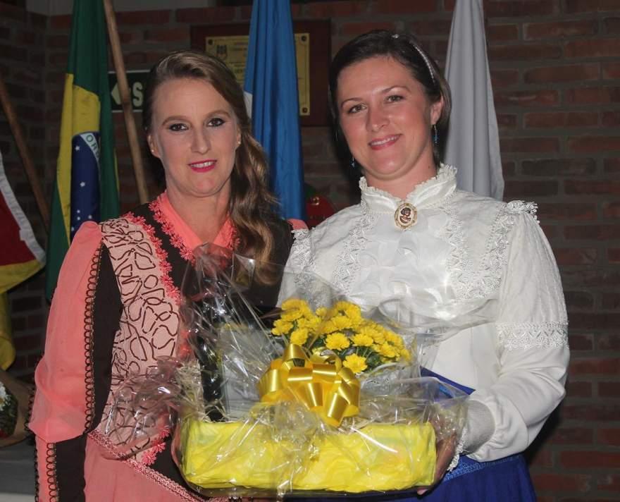 Adriana Zuge e Kelly Larger Lazzari
