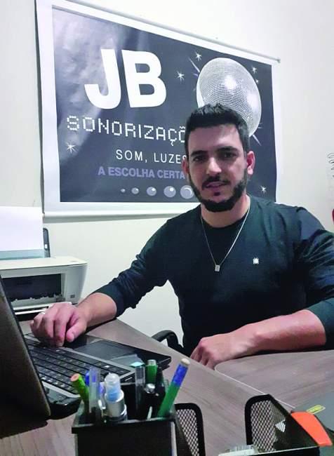 Juliano Chauveau e Silva, DJ, proprietário da JB Sonorizações e Gatupardu.