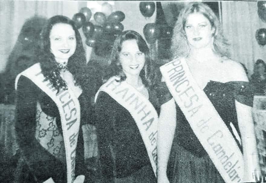A Rainha Cíntia Porto Falcão, entre as Princesas Priscila Bernardes e Gabriela Kaercher
