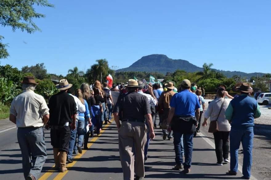 Aposentados caminharam contra a reforma da Previdência