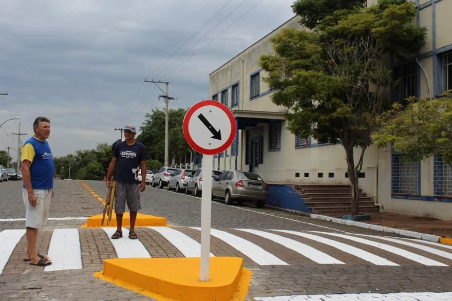 O professor de educação para o trânsito Nelson Farias: mais segurança para os alunos