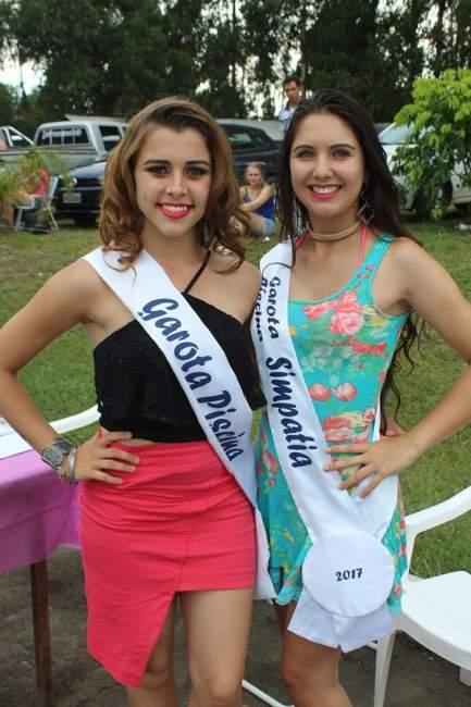 Viviane dos Santos, a Garota as Piscinas 2017, e Dienifer Tech, a Garota Simpatia 2017