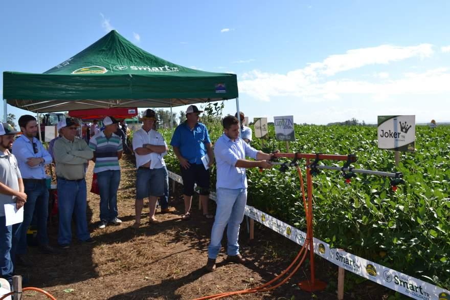 Produtores recebem informações técnicas sobre o manejo correto para a aplicação de fungicidas e herbicidas de alto desempenho