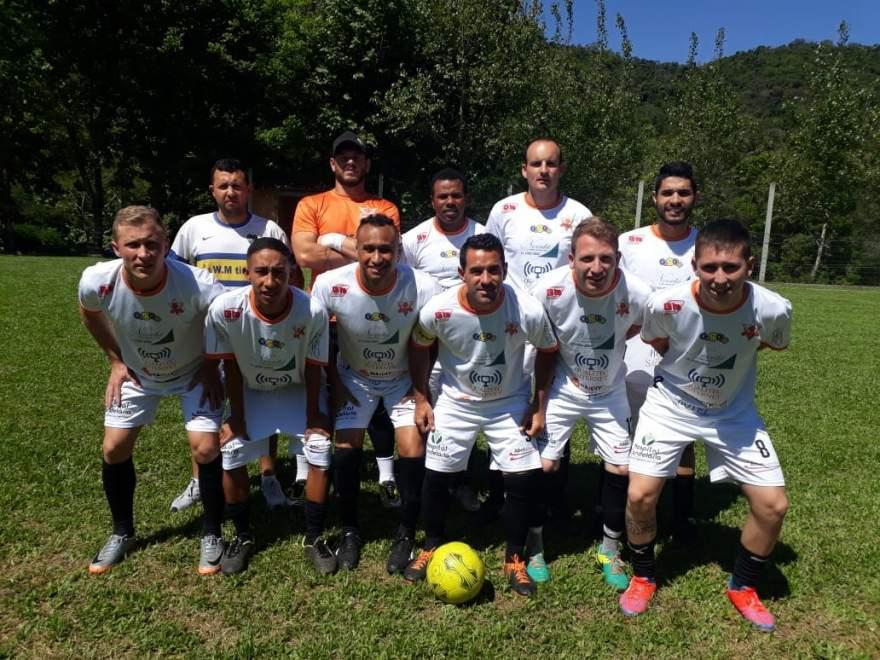 A equipe do Ewaldo Prass está na final da 13ª Copa Curva do Rio de Futebol Sete