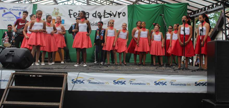 No intervalo teve apresentação do grupo de dança do Cecoas