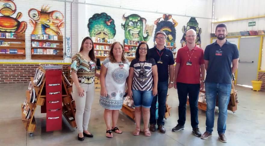 Comitiva de Candelária visitou a empresa Mercur para formalizar parceria para o projeto Costurando Sonhos