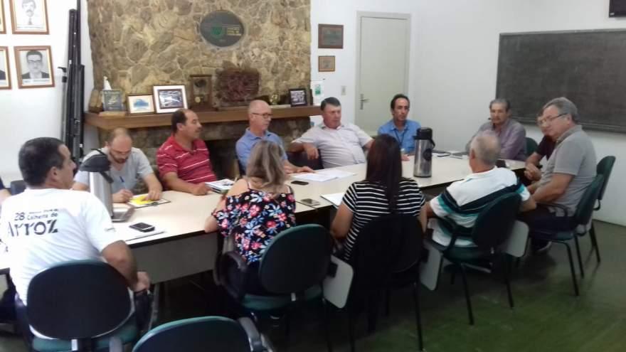 Reunião definiu as propriedades contempladas com a construção de biodigestores em Candelária