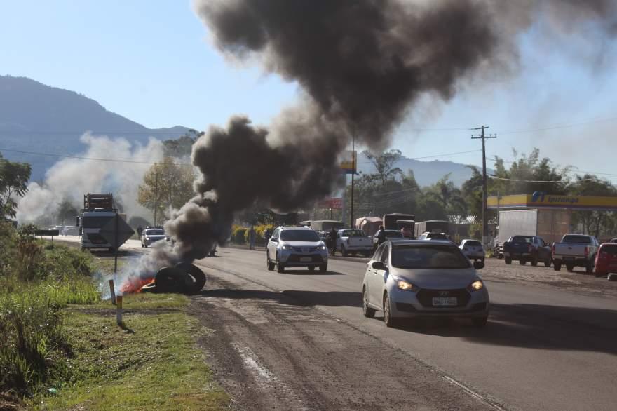 Protesto em Candelária ocorre no km 138 da RSC 287