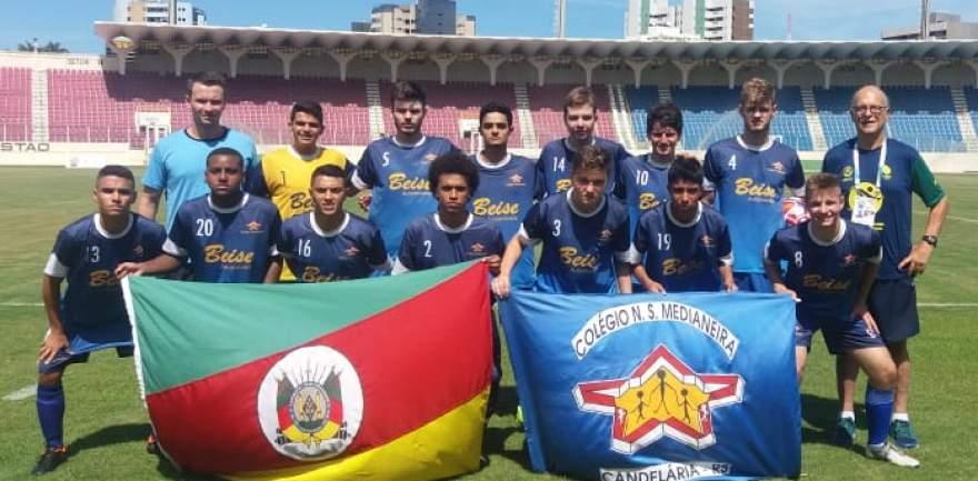 Colégio Medianeira está em Sergipe representando o RS no Campeonato Brasileiro de Futebol Escolar 2019