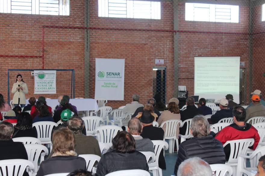 Palestras ocorreram pela manhã no Ginásio Ivo Mainardi - Fotos: Tiago Mairo Garcia - Folha