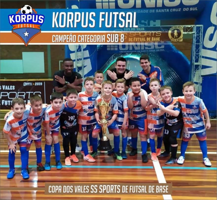 Equipe da Korpus Sub 08: campeã da Copa dos Vales