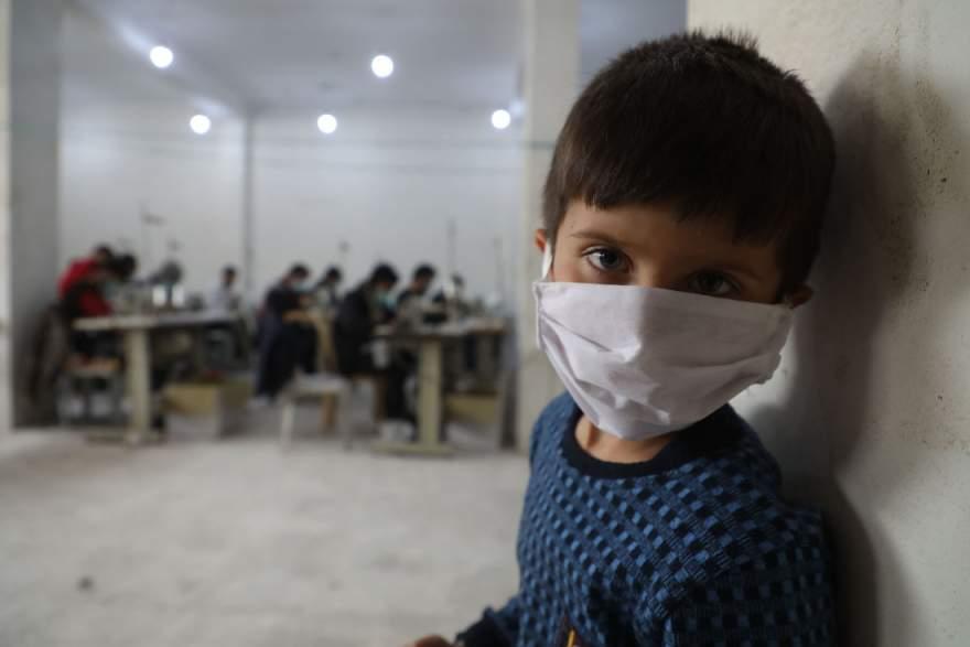 Saudade: crianças se ressentem da falta da convivência com os colegas (FOTO: AAREF WATAD/AFP)