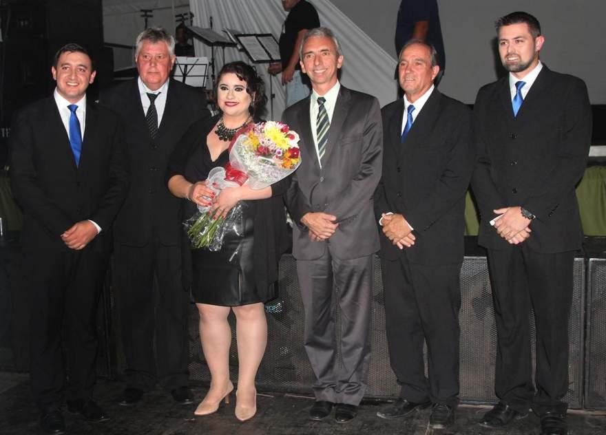 A comissão organizadora da Expocande 2018 ao lado do prefeito Paulo Butzge e do presidente da Acic Clairton Kleinert