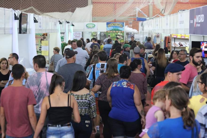 Espaços na feira começaram a ser comercializados na quinta (FOTO: Frederico Sehn)