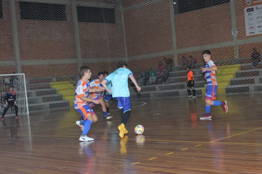 No Sub-15, vitória do União Independente por 6 a 2 sobre a Korpus/ Atlético