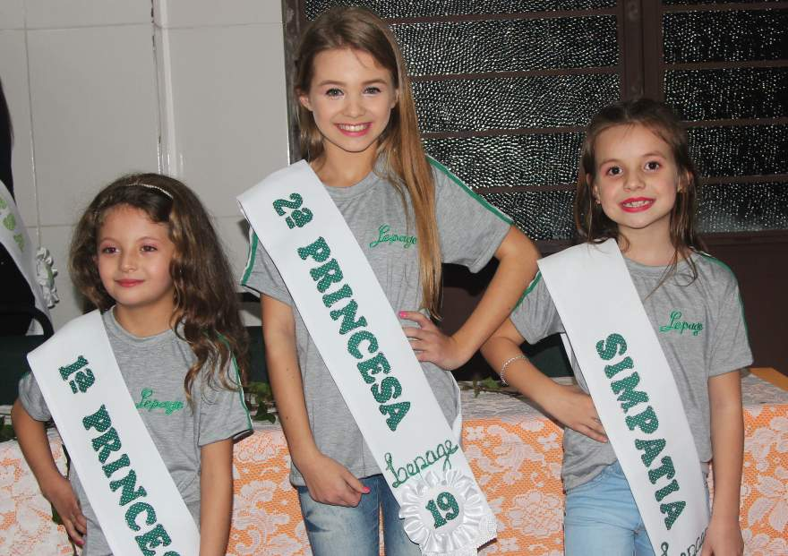 Kelyn, Sophia e Katarina: Princesas e Simpatia na categoria infantil