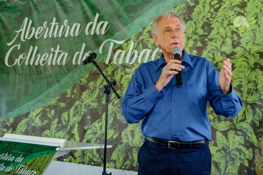 Presidente do Sinditabaco, candelariense Iro Schunke destacou que os produtores de tabaco são fundamentais para a cadeira produtiva
