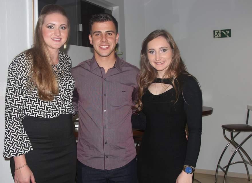Andreza Beling, Daniel Silveira e Estela Roehrs