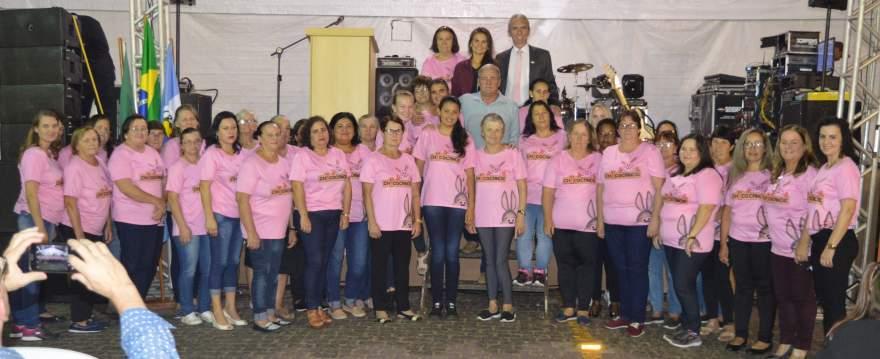 Grupo de mulheres responsável pelas delícias da Chococande