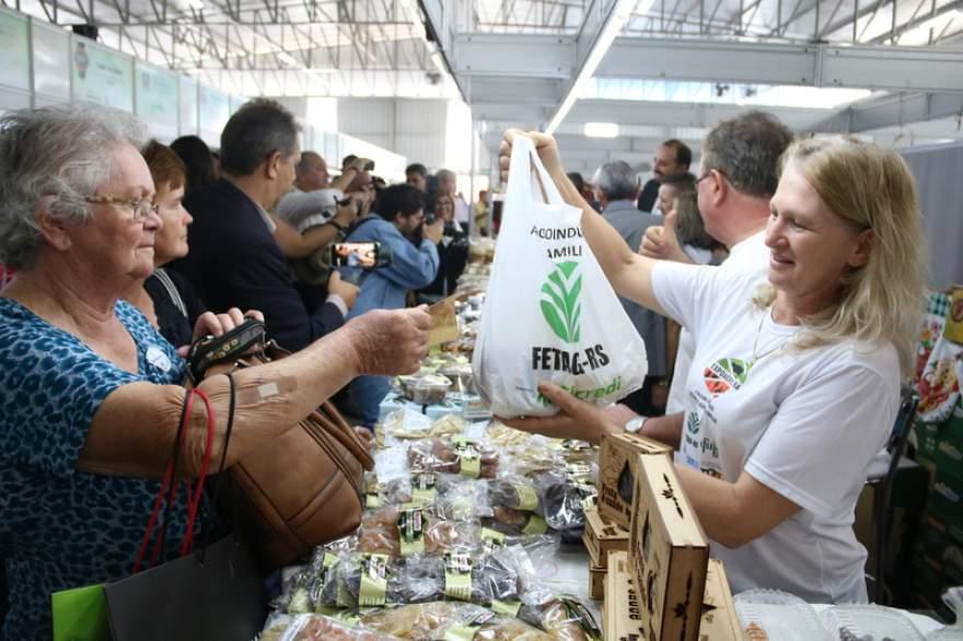 Público prestigiou em grande número o novo espaço no Parque da Expoagro