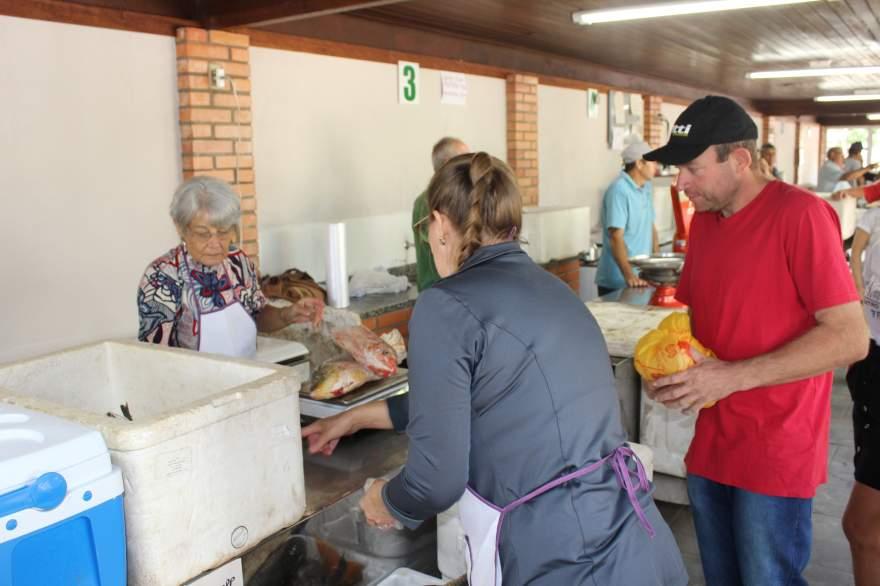 Feira do Peixe terá 10 mil kg de pescados para serem comercializados - Crédito: Tiago Garcia - Folha